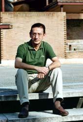 Mikel Navarro Arancegui. Catedrático de Ciencias Económicas de la Universidad de Deusto: Tenemos que fomentar la ciencia: reformar las universidades, crear grupos vanguardistas, enriquecer la estructura de los centros tecnológicos