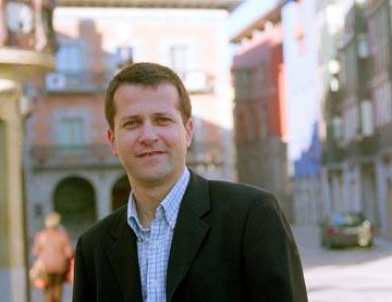 Jokin Bildarratz. Alcalde de Tolosa y presidente de Eudel: El siglo XXI es el siglo de la colaboración y del trabajo en común, el siglo de los municipios, que constituyen las instituciones más abiertas y más cercanas al ciudadano