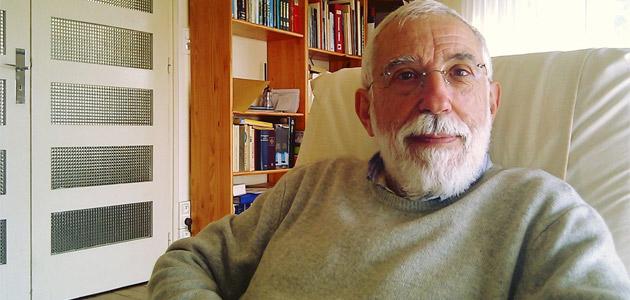 Emilio Lopez Adan. Escritor: Siempre he rechazado el militarismo, la dictadura y el terrorismo para conseguir la libertad