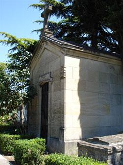 Mausoleo donde se encuentran los restos de Iradier en el cementerio de Vitoria