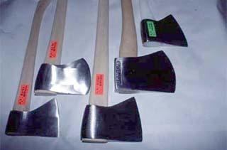 Sierra, hacha y cuchillo, la alternativa lógica a un único cuchillo grande Hachas